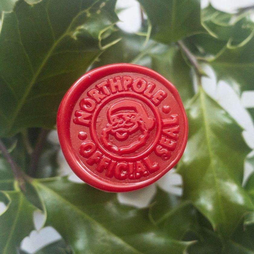 North Pole Official Mail Santa Self-Adhesive Wax Seals (Pk5) 1