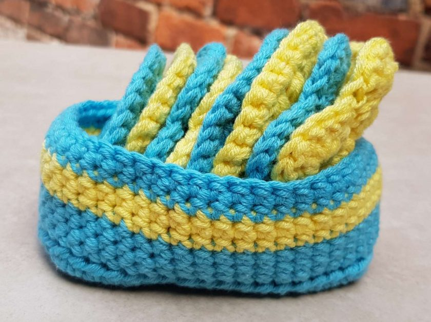 Crocheted face scrubbies with basket 2
