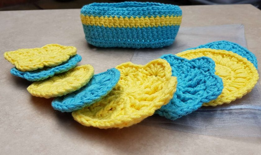 Crocheted face scrubbies with basket 4