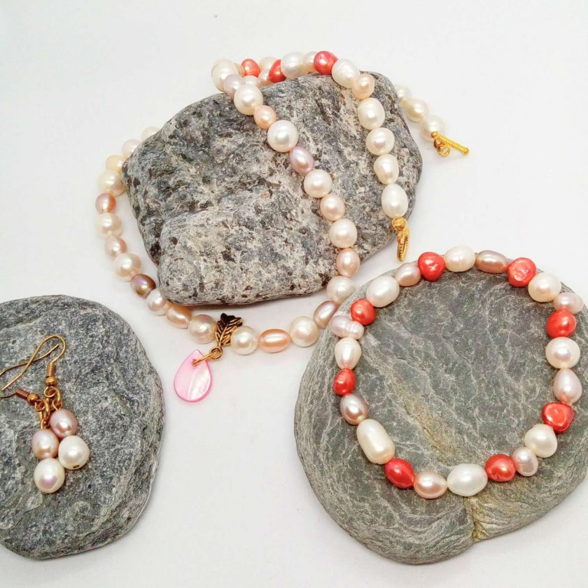 Peaches and Cream Freshwater Pearl Jewellery Set With A Mother of Pearl Pendant, Gift for Her 2