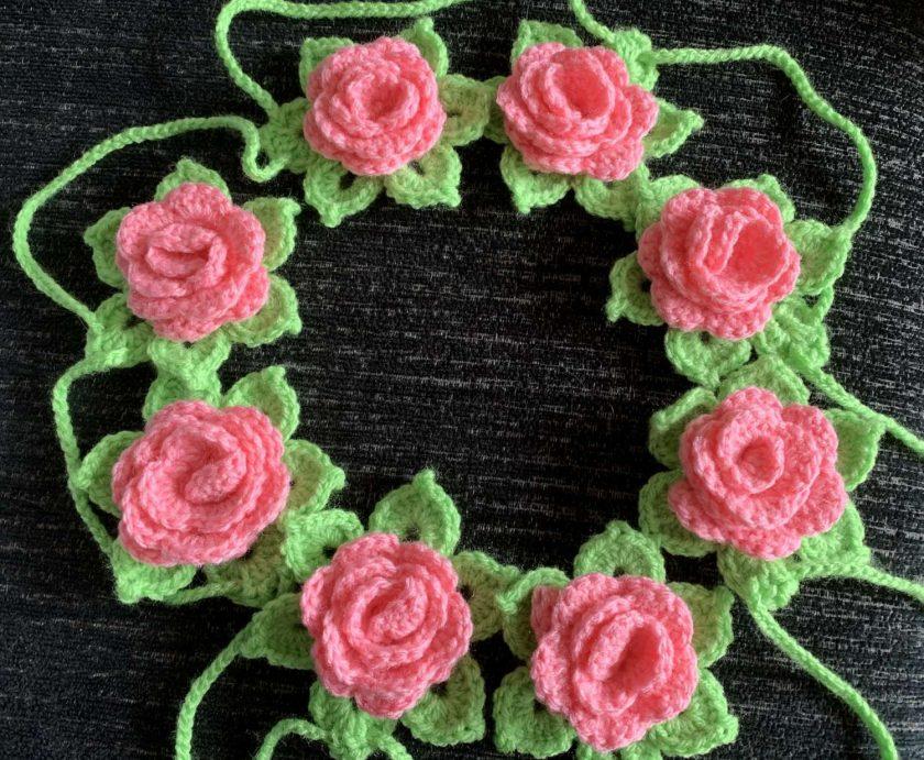 Crochet Rose Garland 1
