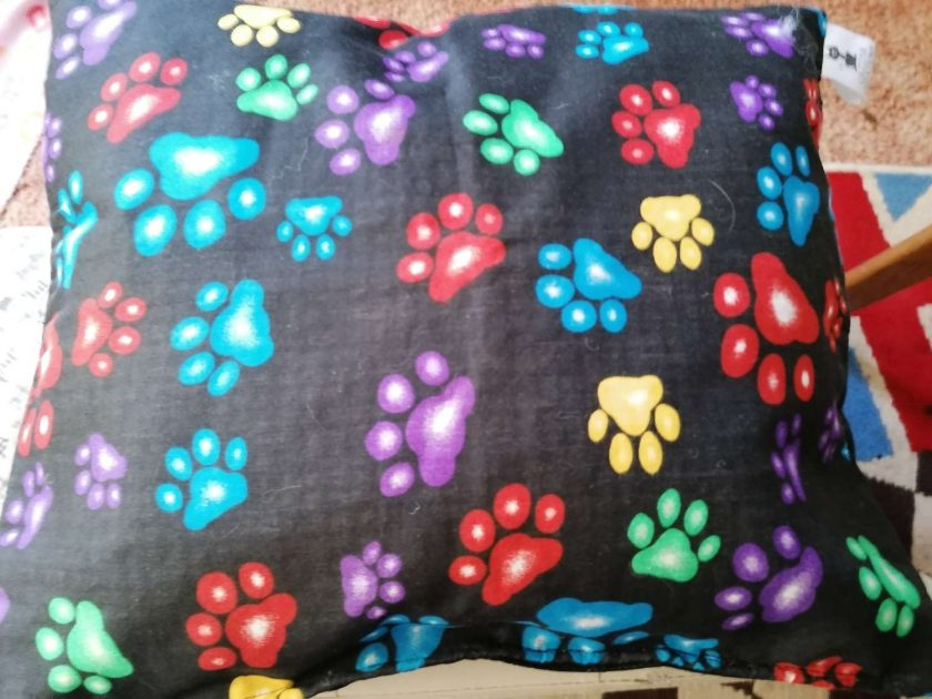 Handmade bespoke Dog or Cat beds. Size Large. 7