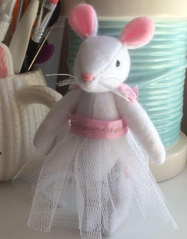 Ballerina mouse 1