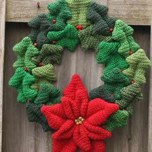 Holly Wreath - crochet pattern 3
