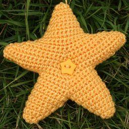 Hearts & Stars Wreath - crochet kit 3
