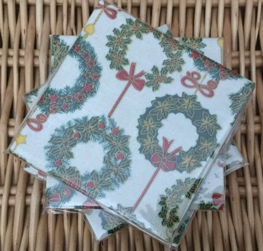 Christmas Xmas Wreath Ceramic Tile Coasters Set of 4 Suelovelycrafts 1