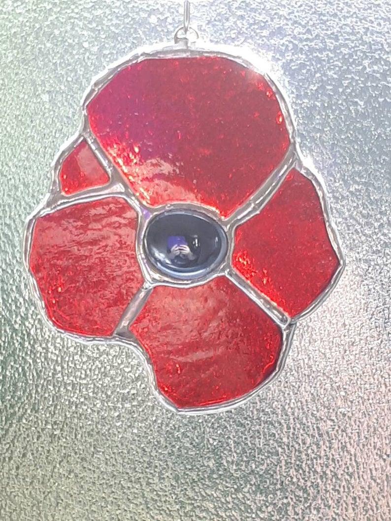 Stained glass poppy suncatcher 4