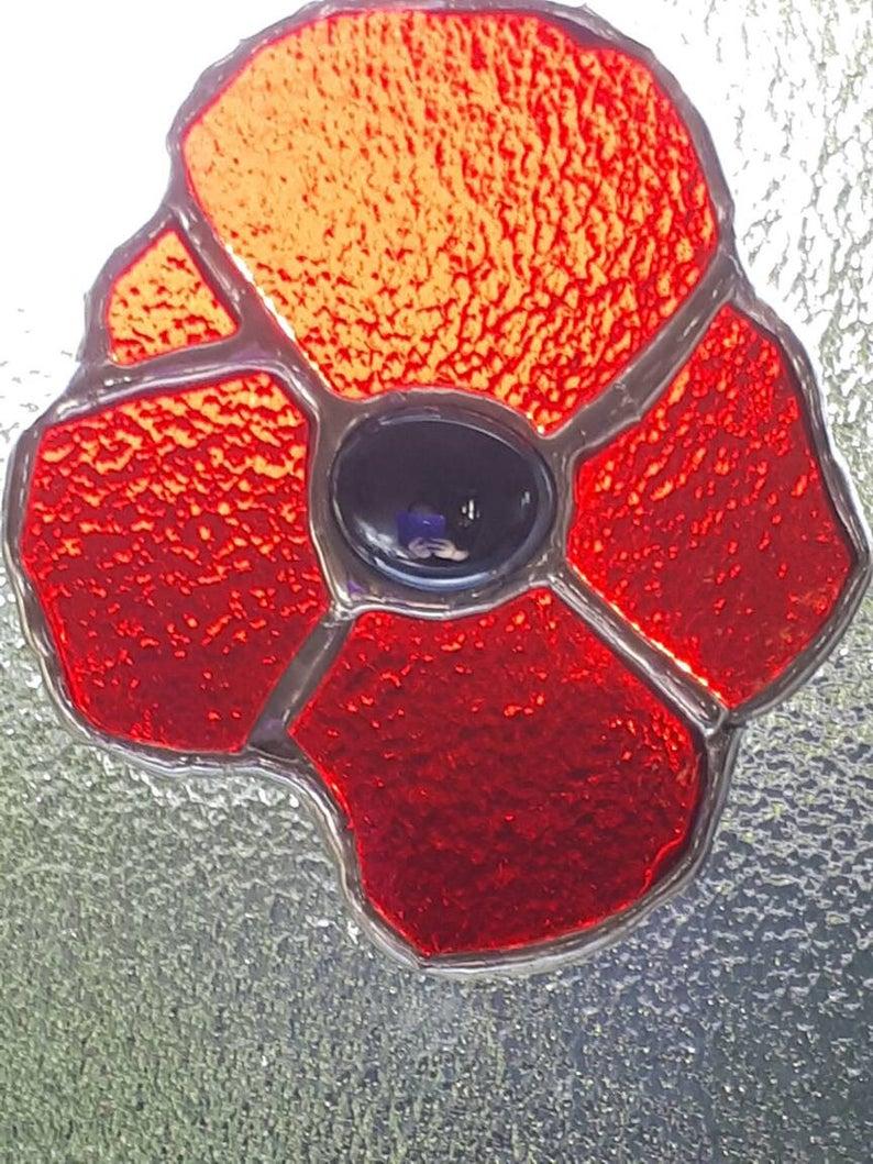 Stained glass poppy suncatcher 3