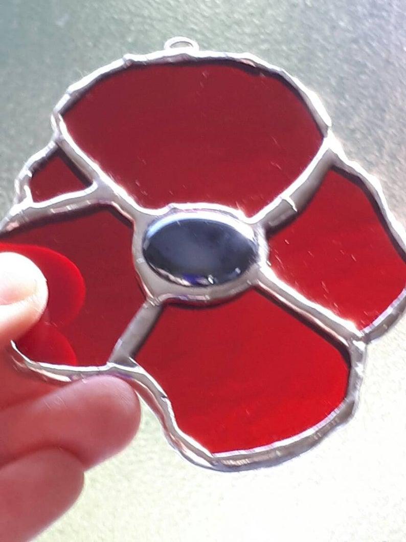 Stained glass poppy suncatcher 2