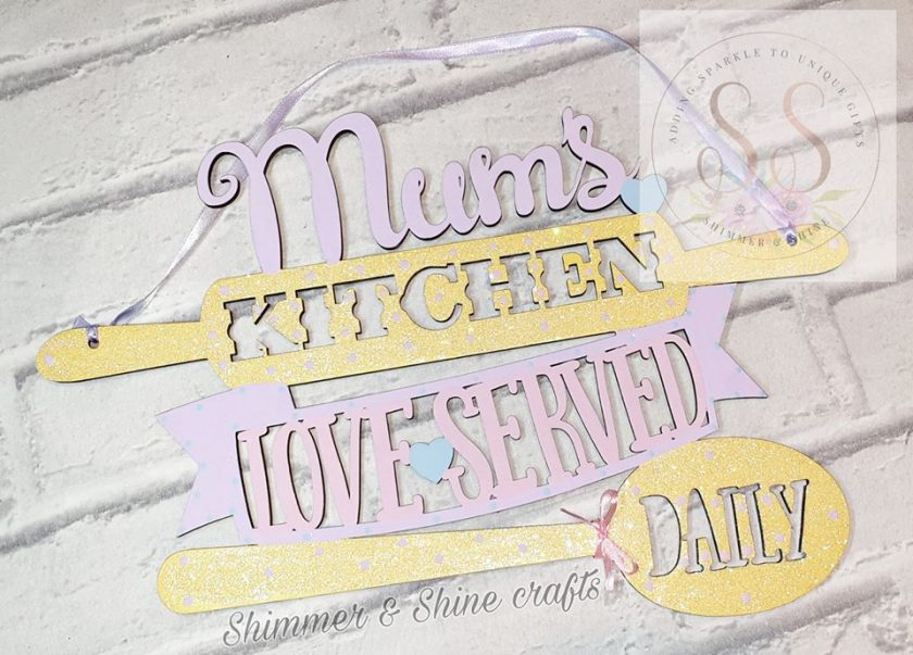 Hanging personalised kitchen plaque 1