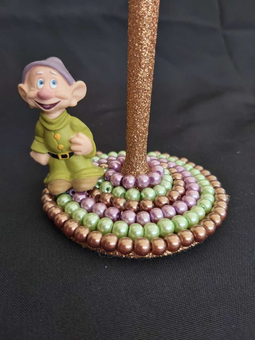 Dopey character wine glass 2