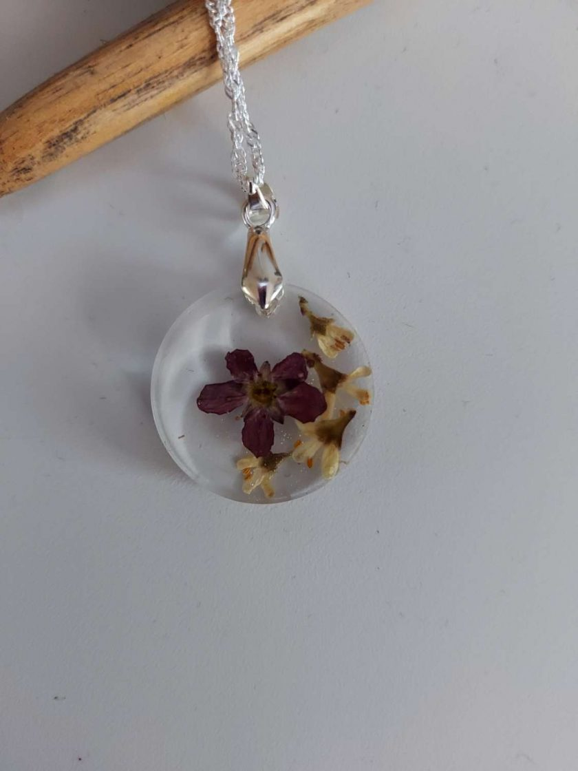 Handcrafted Floral resin pendent/ necklace (Copy) (Copy) 1