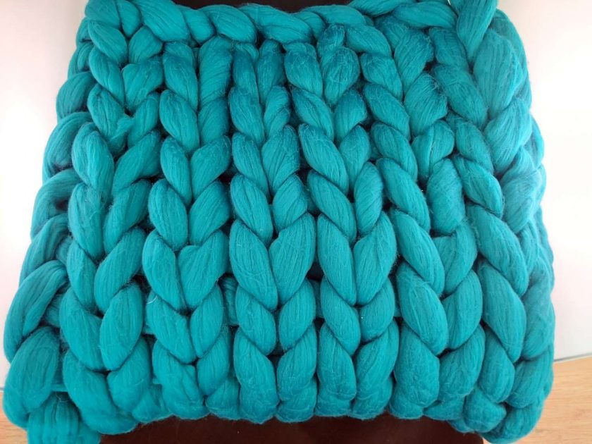 Comfy Lap blanket / Bed runner / jumbo yarn / arm knitted 10