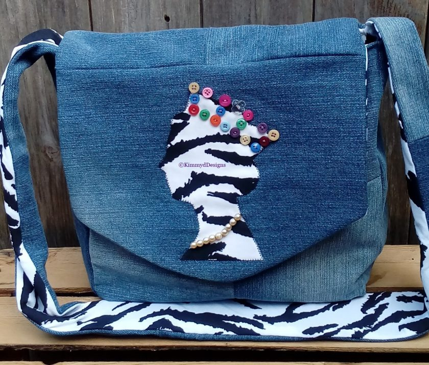 Queen Fully Lined Handbag Zebra Fabric & Button Crown FREE UK POSTAGE 1