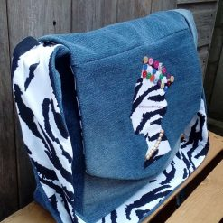 Queen Fully Lined Handbag Zebra Fabric & Button Crown FREE UK POSTAGE 9