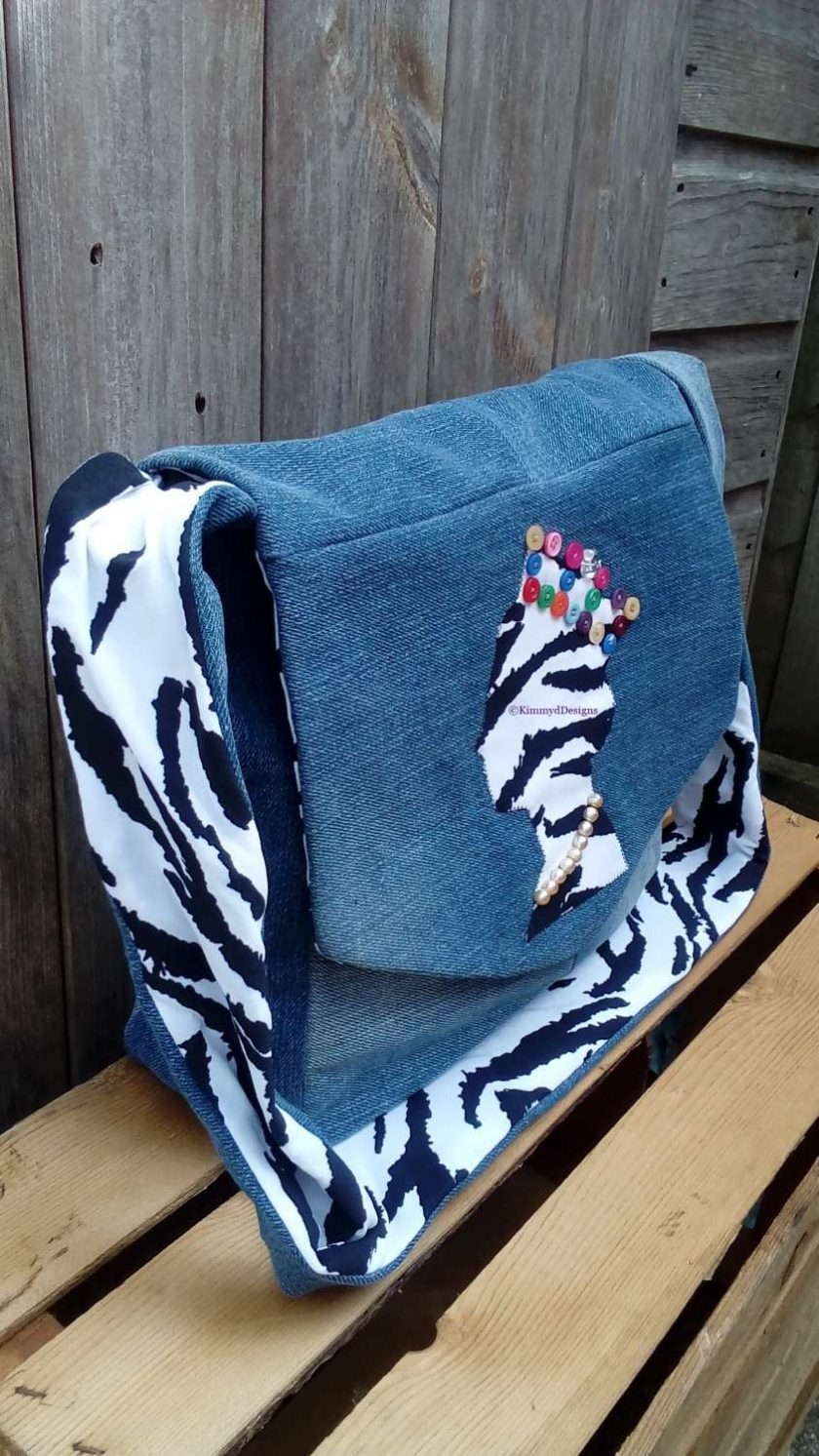 Queen Fully Lined Handbag Zebra Fabric & Button Crown FREE UK POSTAGE 3