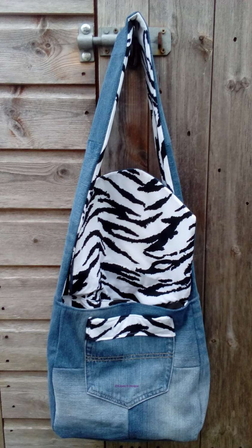 Queen Fully Lined Handbag Zebra Fabric & Button Crown FREE UK POSTAGE 6