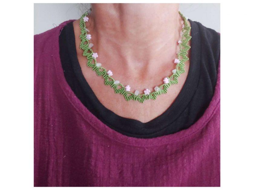 Floral macrame necklace 2