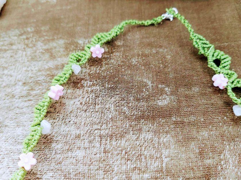 Floral macrame necklace 4