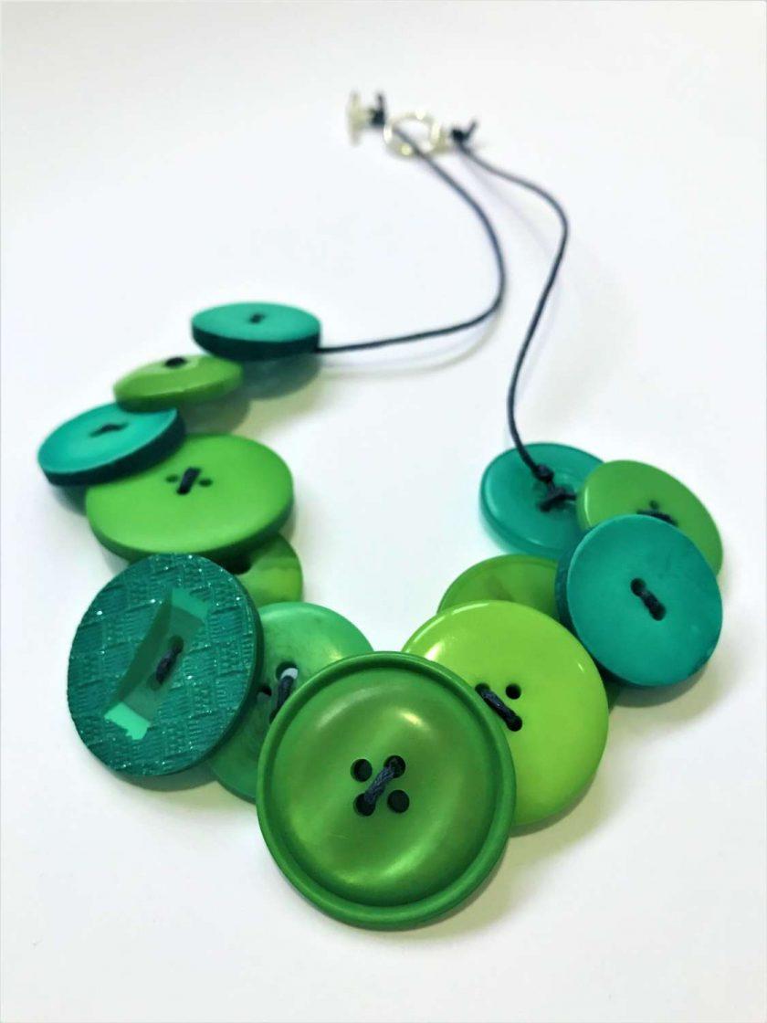 Green button necklace (short) 3