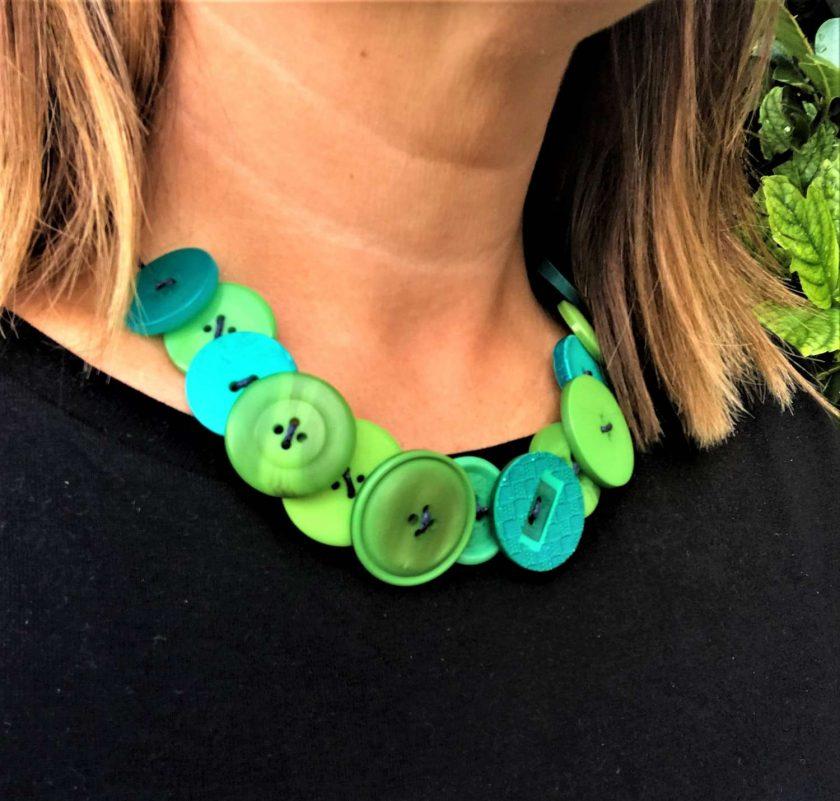 Green button necklace (short) 4