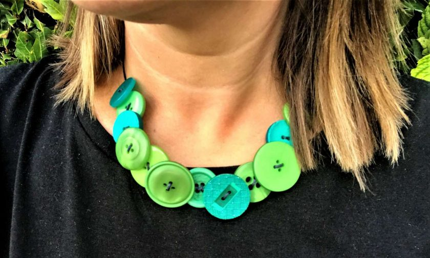 Green button necklace (short) 5