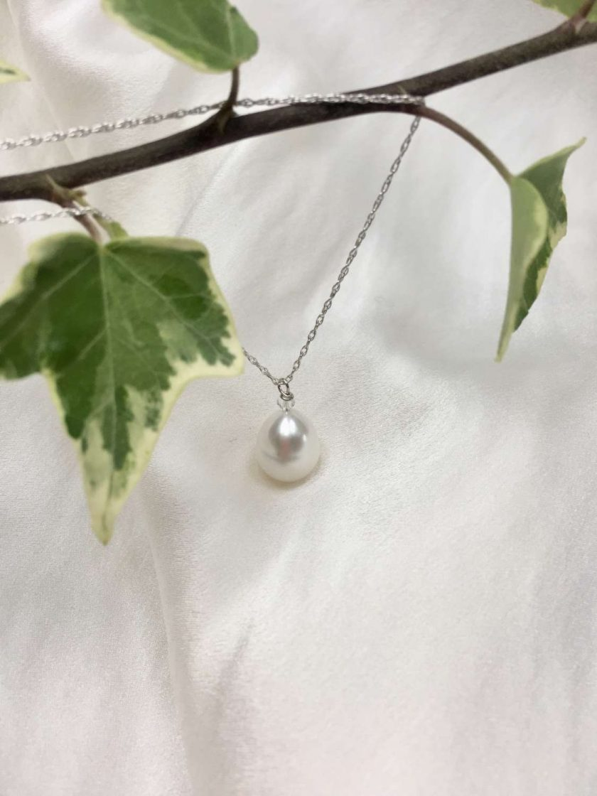 White pearl pendant, teardrop pearl necklace, classic pearl pendant, bridal ideas, wedding accessories, 30th anniversary, 21st birthday gift, 30th birthday present, special occasion jewellery 4