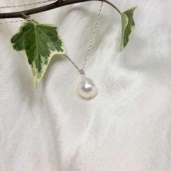White pearl pendant, teardrop pearl necklace, classic pearl pendant, bridal ideas, wedding accessories, 30th anniversary, 21st birthday gift, 30th birthday present, special occasion jewellery 10