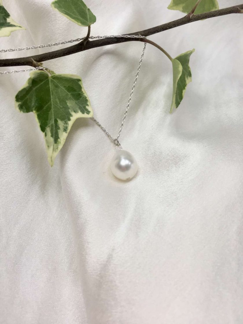White pearl pendant, teardrop pearl necklace, classic pearl pendant, bridal ideas, wedding accessories, 30th anniversary, 21st birthday gift, 30th birthday present, special occasion jewellery 3