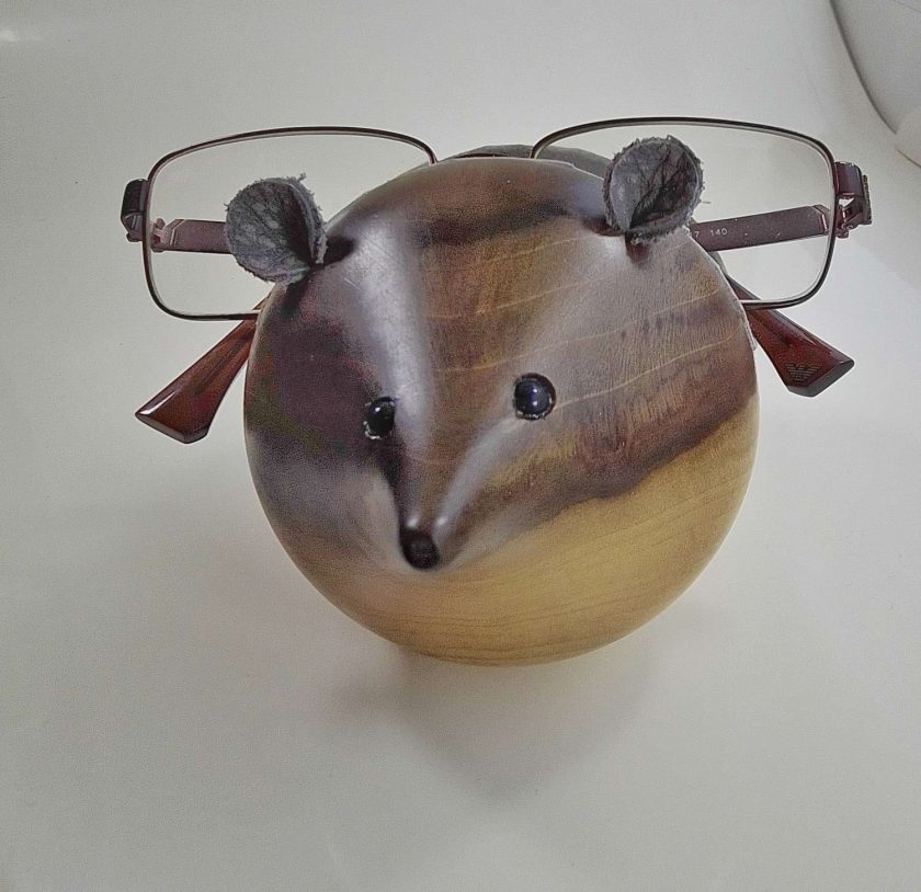 Mouse spectacle holder in Tulip wood
