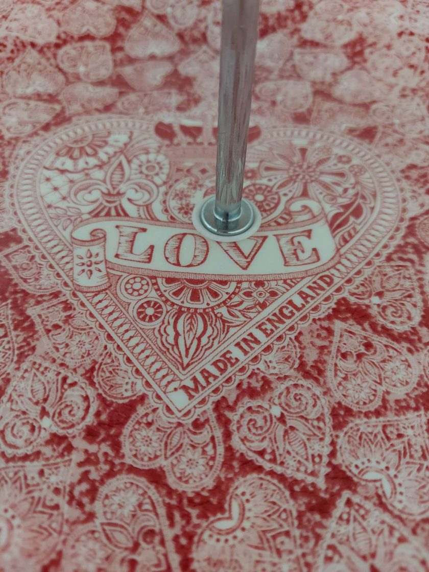 Love hearts cake stand