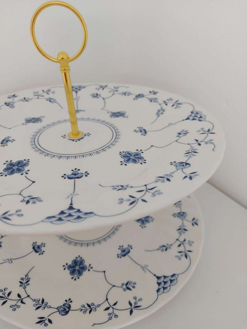 Blue and white cake stand 6