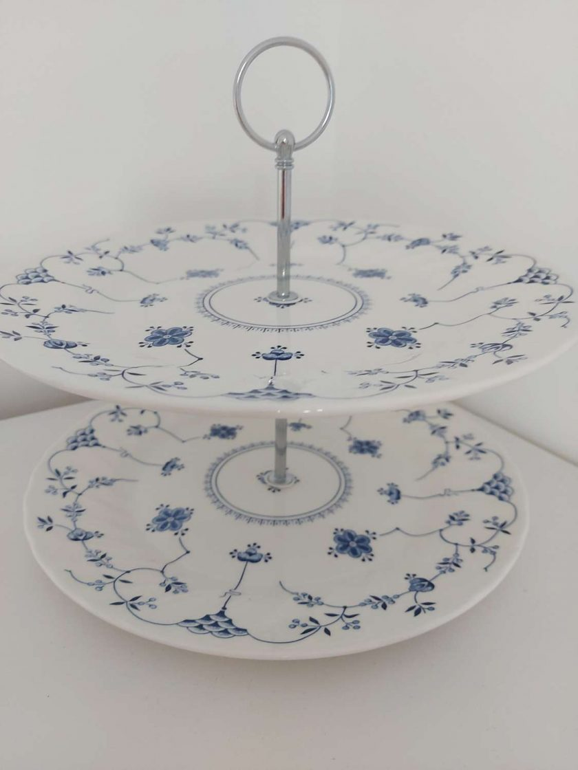 Blue and white cake stand 2