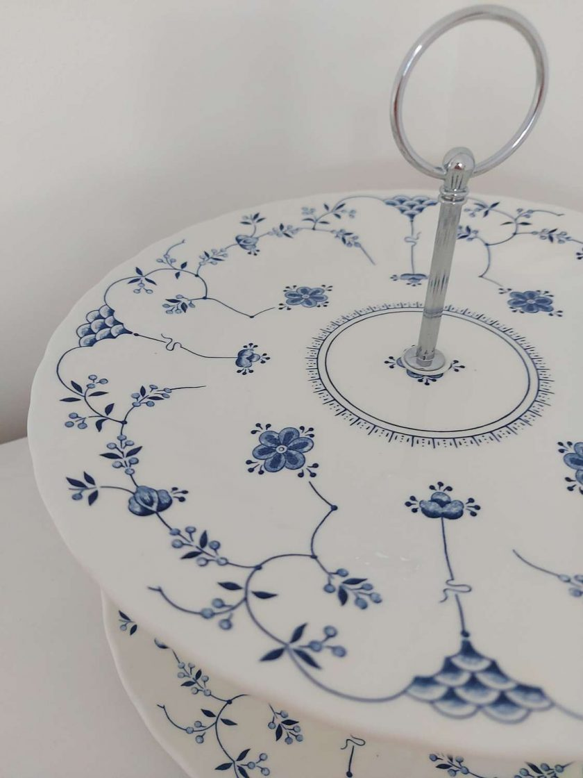 Blue and white cake stand 3