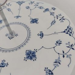 Blue and white cake stand 9