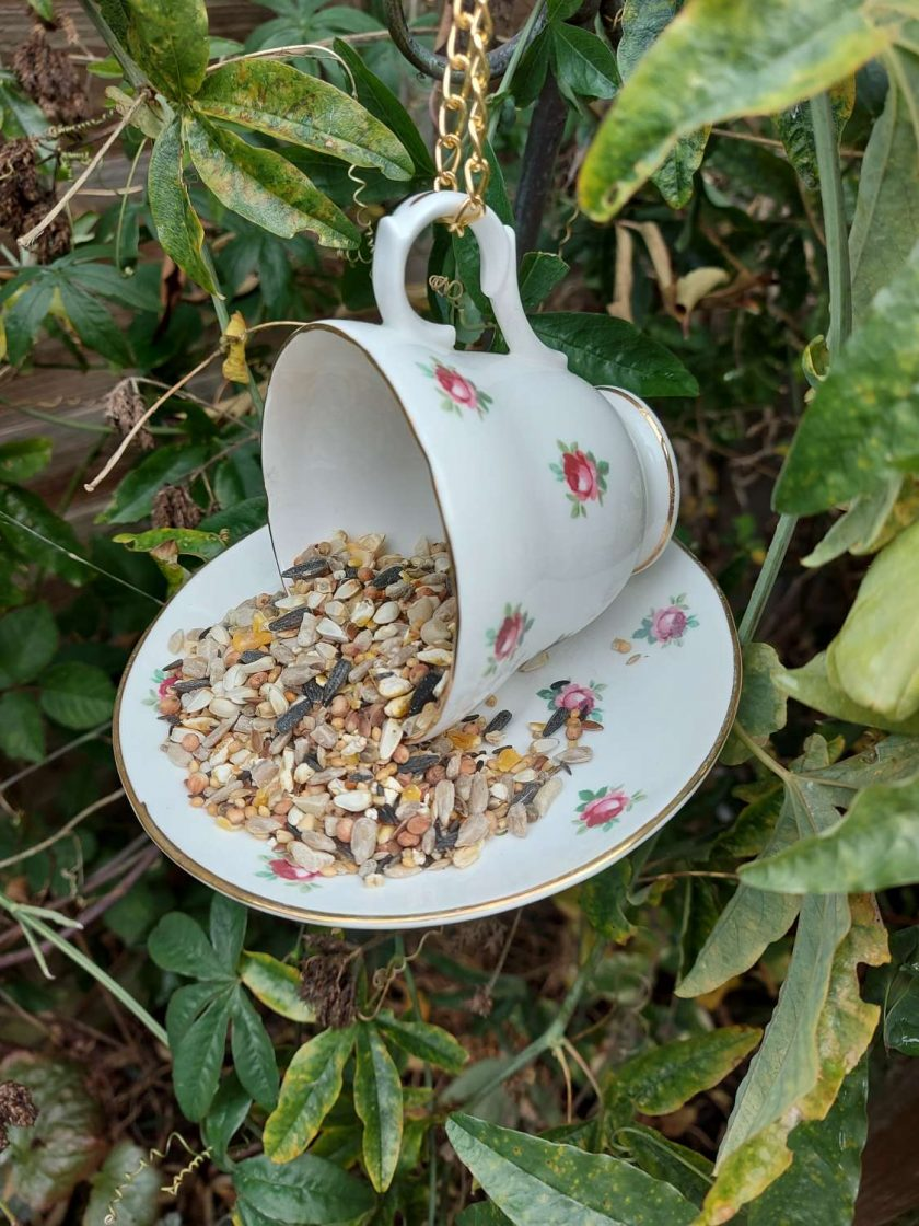 "Vintage teacup bird feeder ""Flora"""