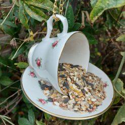 "Vintage teacup bird feeder ""Flora"" 3"
