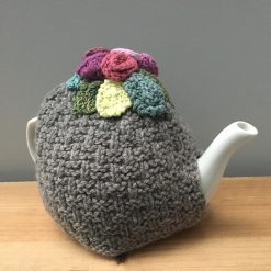 Tea Cosy light brown with flowers