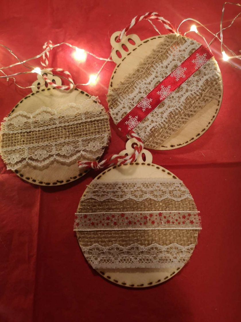 Traditional Rustic Baubles individual