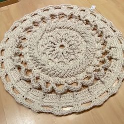 Crochet beige circle rug