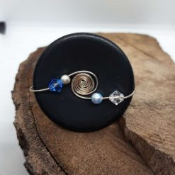 Black wired button ring, size M
