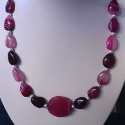 Agate necklace in pink