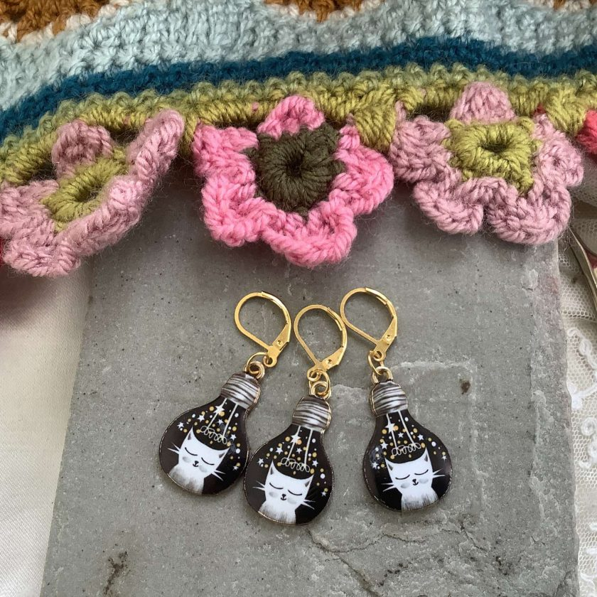 Lightbulb Cat crochet  stitch markers