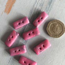 Little oblong buttons