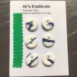 6 Heart shaped buttons