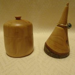 Apple trinket box and ring stand