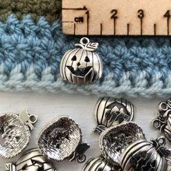 10 x 3D pumpkin Tibetan silver charms - 0.75cm