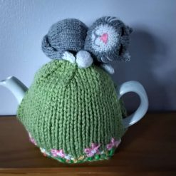 Hand Knitted Tea Cosy - Sleepy Cat - fits small 1-2 cup teapot - FREE POSTAGE