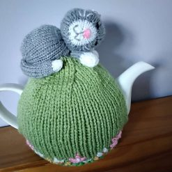 Hand Knitted Tea Cosy - Sleepy Cat - fits 6 cup teapot - FREE POSTAGE