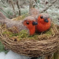 Needle Felt Robins In A Nest, Needle Felt Birds, Needle Felted Animal, Felted Bird, Fibre Art, Sculpture, Woodland Creature, Wildlife, birds in nest, needle felt robin